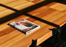 Ein Holztisch - Holz und Holzverwertung